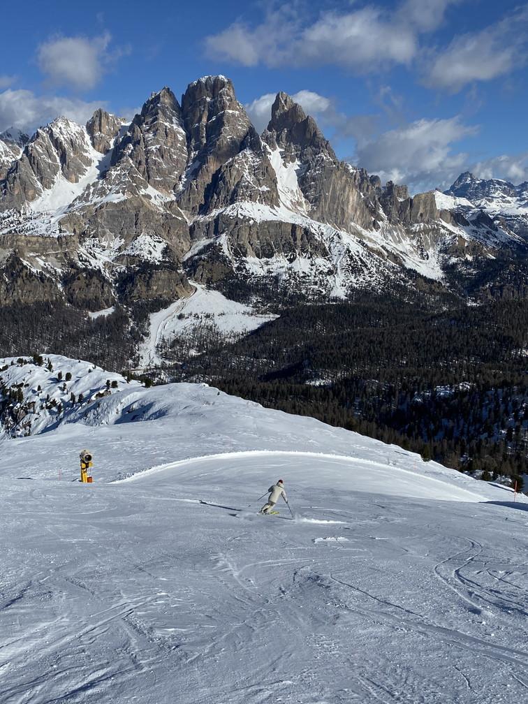 """2020年2月『イタリア・ドロミテ・スキー その1』 February 2020 \""""Skin in Dolomiti, Italia\""""_c0219616_20444997.jpg"""