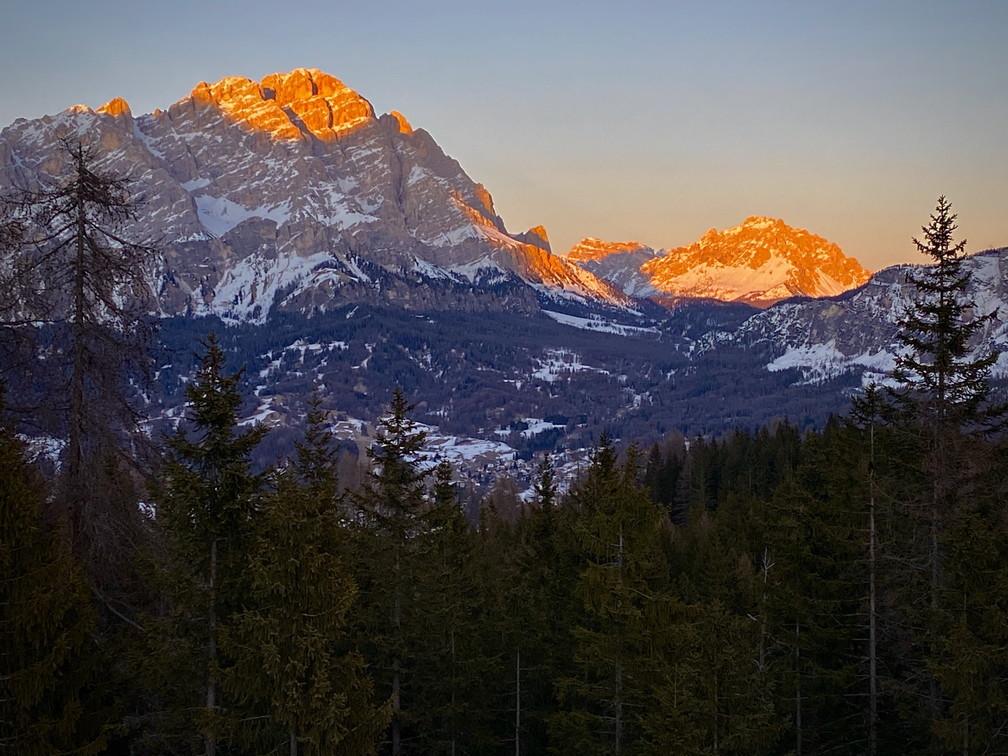 """2020年2月『イタリア・ドロミテ・スキー その2: Enrosadira』 February 2020 \"""" Dolomiti Ski: Enrosadira\""""_c0219616_21312622.jpg"""