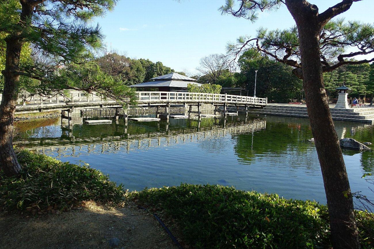 白鳥庭園(その1)_c0112559_08203257.jpg