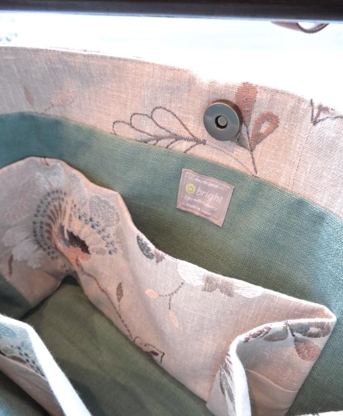 クラーク&クラーク 刺繍生地 ショルダーバッグ オーダー製作 モリス正規販売店のブライト_c0157866_19412651.jpg