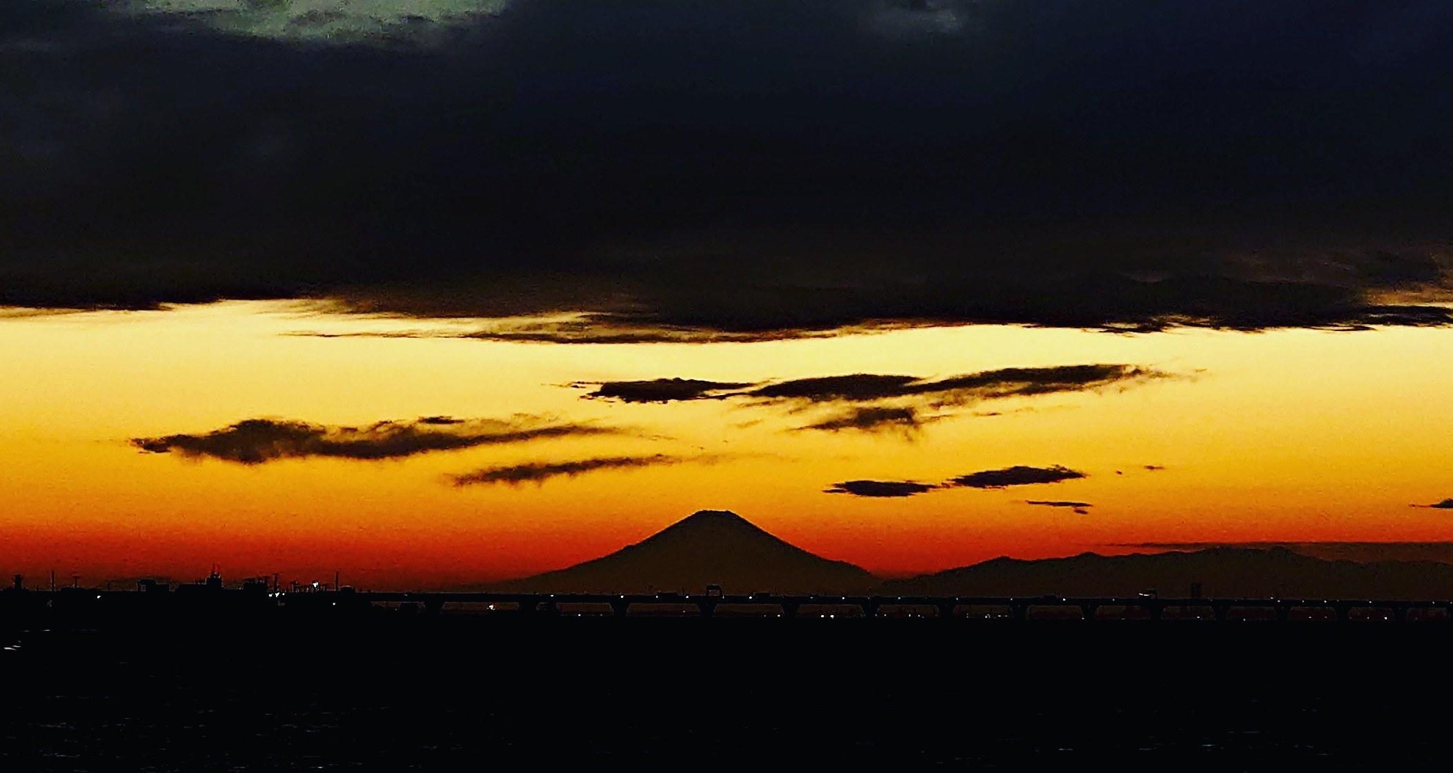 シルエット富士山!_b0083801_18531461.jpg
