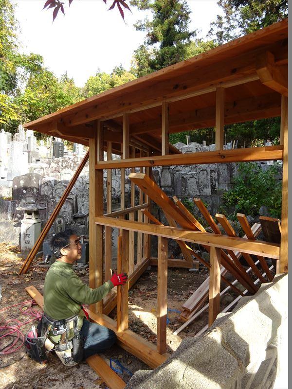 お寺の塀の建て替え工事 進行中。_f0105112_04373572.jpg