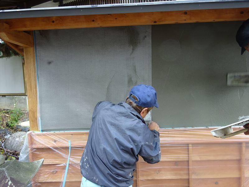 お寺の塀の建て替え工事 進行中。_f0105112_04493407.jpg