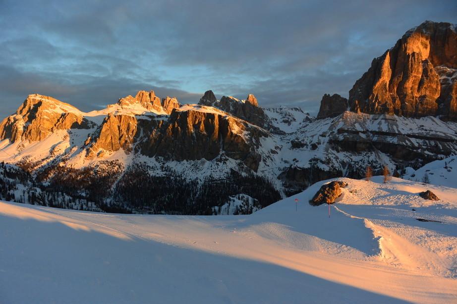 """2020年2月『イタリア・ドロミテ・スキー その2: Enrosadira』 February 2020 \"""" Dolomiti Ski: Enrosadira\""""_c0219616_07055447.jpg"""