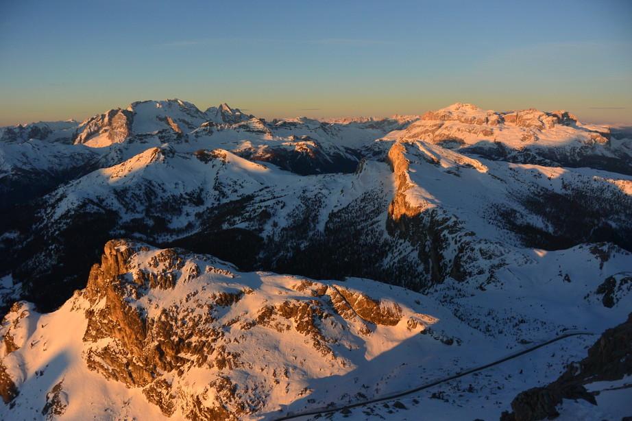 """2020年2月『イタリア・ドロミテ・スキー その2: Enrosadira』 February 2020 \"""" Dolomiti Ski: Enrosadira\""""_c0219616_07113799.jpg"""
