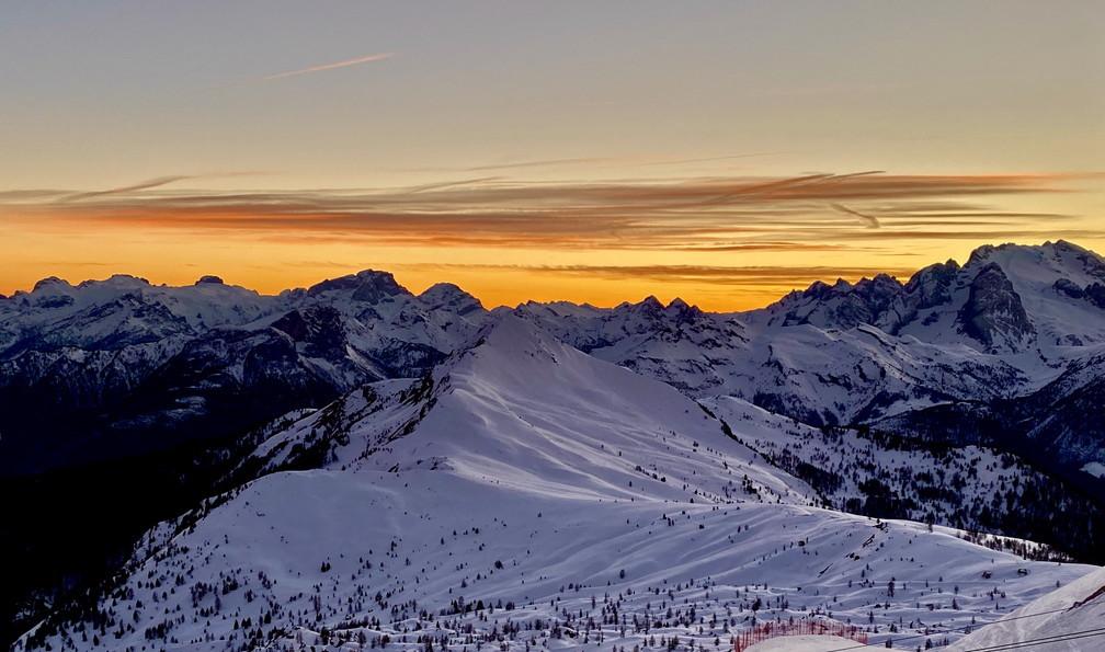 """2020年2月『イタリア・ドロミテ・スキー その2: Enrosadira』 February 2020 \"""" Dolomiti Ski: Enrosadira\""""_c0219616_08563672.jpg"""