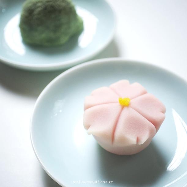 桜の時期の和菓子_d0124248_22241811.jpg