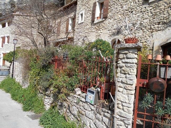 岩の中の小さな村 ル・ボーセ【le Beaucet】_d0153860_18172284.jpg