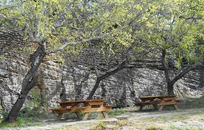 岩の中の小さな村 ル・ボーセ【le Beaucet】_d0153860_18182890.jpg