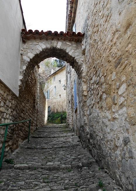 岩の中の小さな村 ル・ボーセ【le Beaucet】_d0153860_18191935.jpg