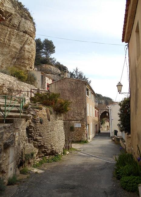 岩の中の小さな村 ル・ボーセ【le Beaucet】_d0153860_18202663.jpg