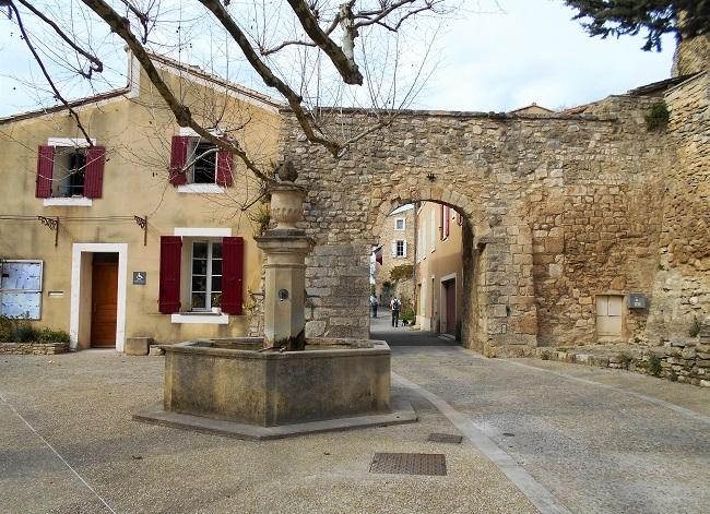 岩の中の小さな村 ル・ボーセ【le Beaucet】_d0153860_18204904.jpg