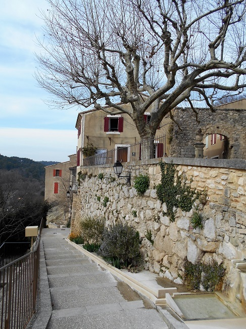 岩の中の小さな村 ル・ボーセ【le Beaucet】_d0153860_18230078.jpg