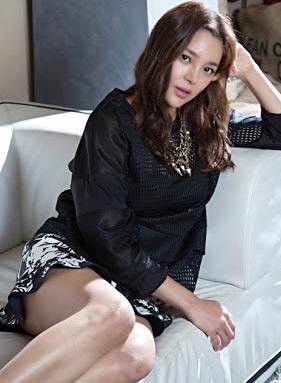 ミスコリア出身 女優パク・シヨン 熱愛、薬物乱用、離婚を経て 母もミスコリアの横顔美人_f0158064_21152520.jpg