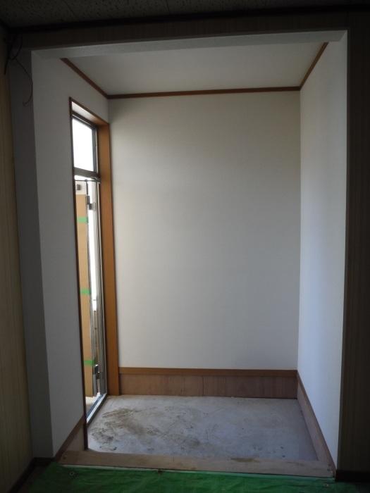駐車場、屋根、玄関、室内 ~ 玄関増築の外壁、内装。_d0165368_02241582.jpg