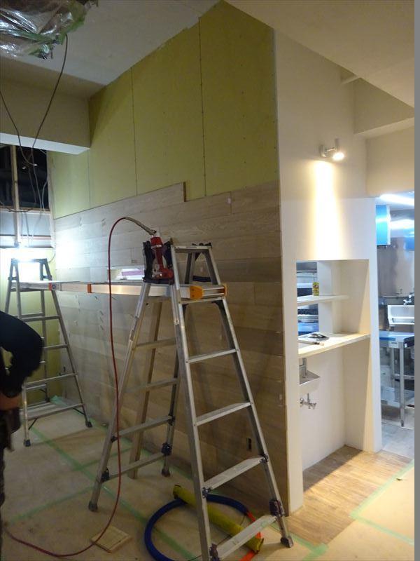 ベアレン醸造所様 駅前新店舗開店工事 工事は終盤です!_f0105112_05221330.jpg