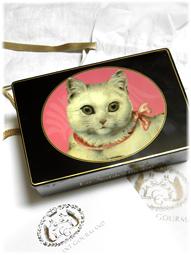 青山「シャルマン・グルマン」の白猫クッキー缶!_d0221430_16203466.jpg