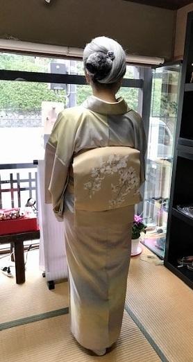 ご来店のお客様・春色の石下結城紬に蘭の染帯。_f0181251_17001044.jpg