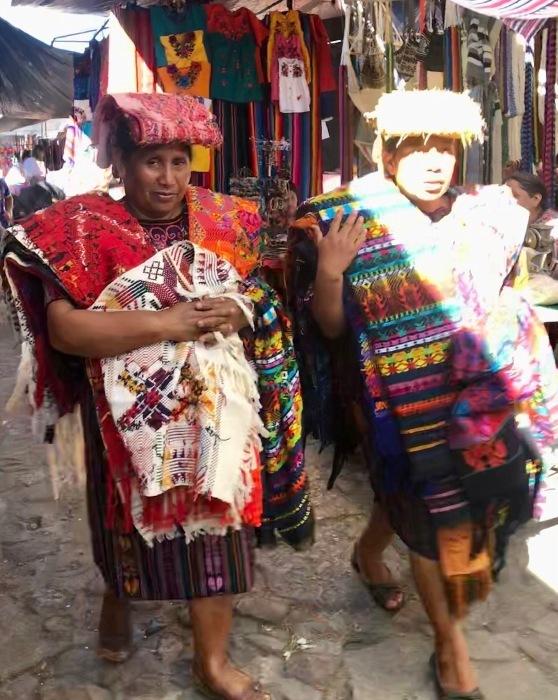 先住民キチェ族の街 チチカステナンゴ@グアテマラ ①_a0092659_19532018.jpg