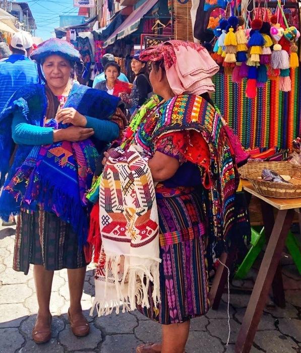 先住民キチェ族の街 チチカステナンゴ@グアテマラ ①_a0092659_19574908.jpg