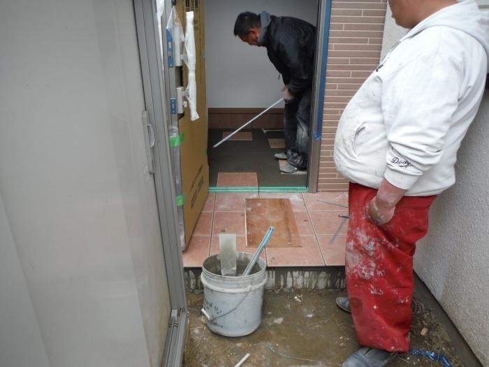 駐車場、屋根、玄関、室内 ~ 玄関増築の完成。_d0165368_04560574.jpg