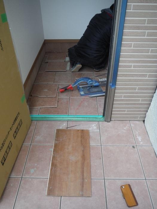 駐車場、屋根、玄関、室内 ~ 玄関増築の完成。_d0165368_04562091.jpg