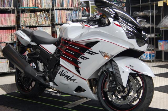 Kawasaki ZX-14R HIGHGRADE ついにファイナルモデルです!!SCS上野新館 _d0099181_16322851.jpg