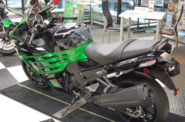 Kawasaki ZX-14R HIGHGRADE ついにファイナルモデルです!!SCS上野新館 _d0099181_16555133.jpg