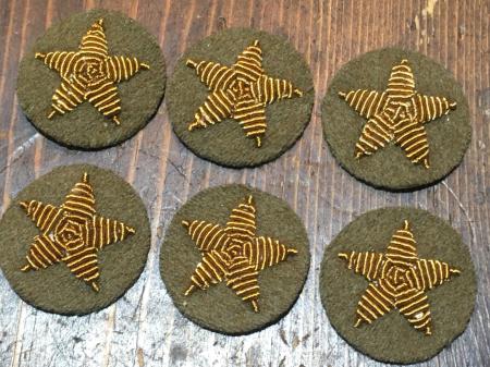 陸軍昭和18年制定三式将校用袖星・大将 大佐 大尉共通使用。_a0154482_04252011.jpg