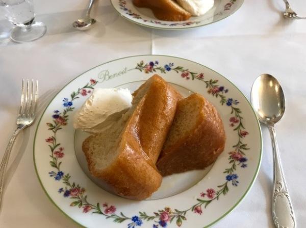 パリ滞在2日目ー老舗Benoitでオーソドックスなフランス料理_d0129786_14544428.jpg