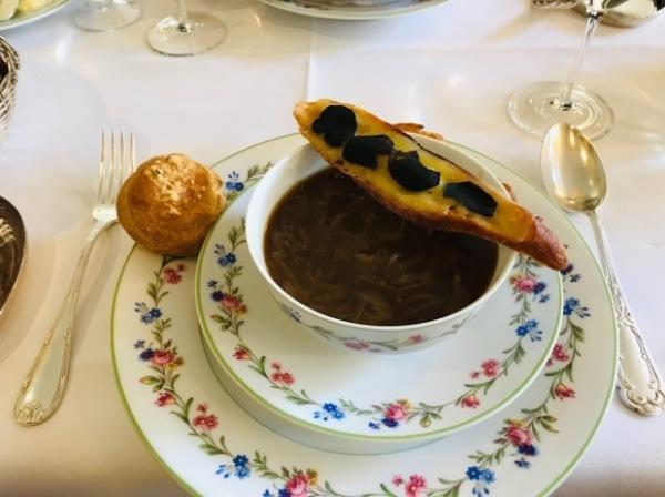 パリ滞在2日目ー老舗Benoitでオーソドックスなフランス料理_d0129786_14545527.jpg