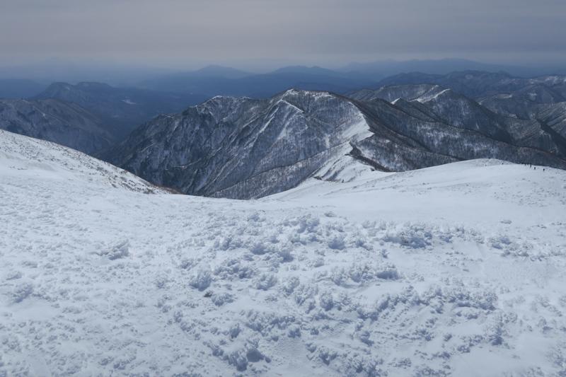 ヤカイ沢からの平標山と仙ノ倉山 (谷川連峰)_f0126932_20085662.jpg