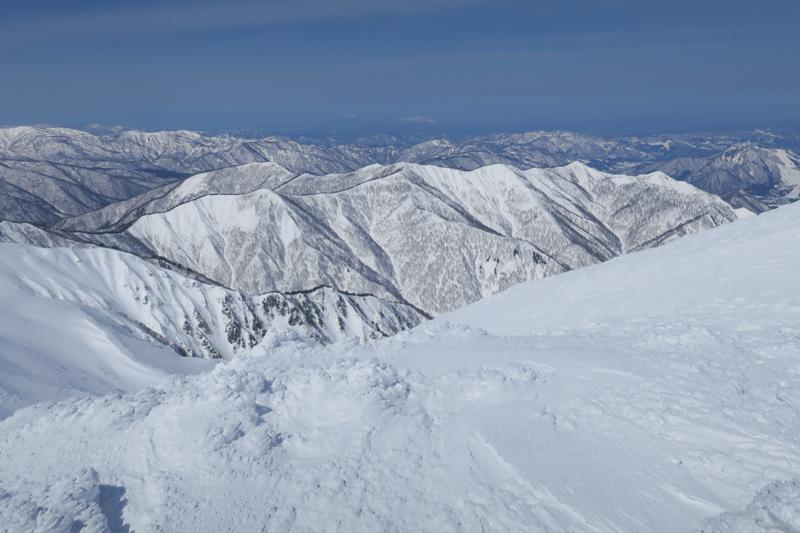 ヤカイ沢からの平標山と仙ノ倉山 (谷川連峰)_f0126932_20105313.jpg