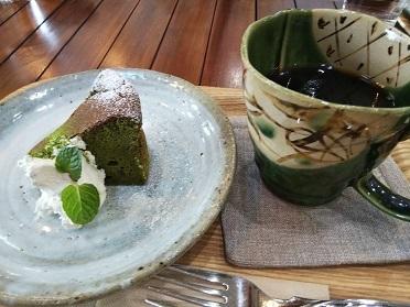 美味しいよケーキセット(ハウスもとやま)_d0043390_20355282.jpg