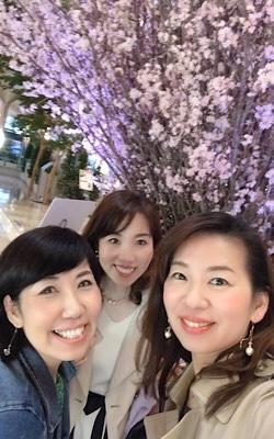 お花見行ってきた~ヒルトンプラザの桜_f0249610_19034175.jpg