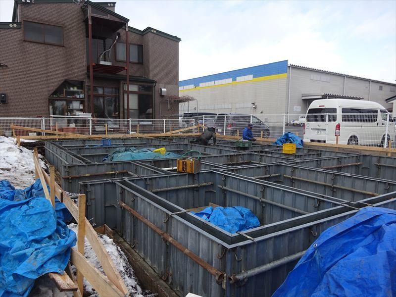 青山の家 建て替え工事 進行中。_f0105112_04215251.jpg