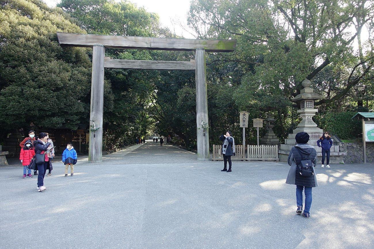 熱田神宮_c0112559_08113227.jpg