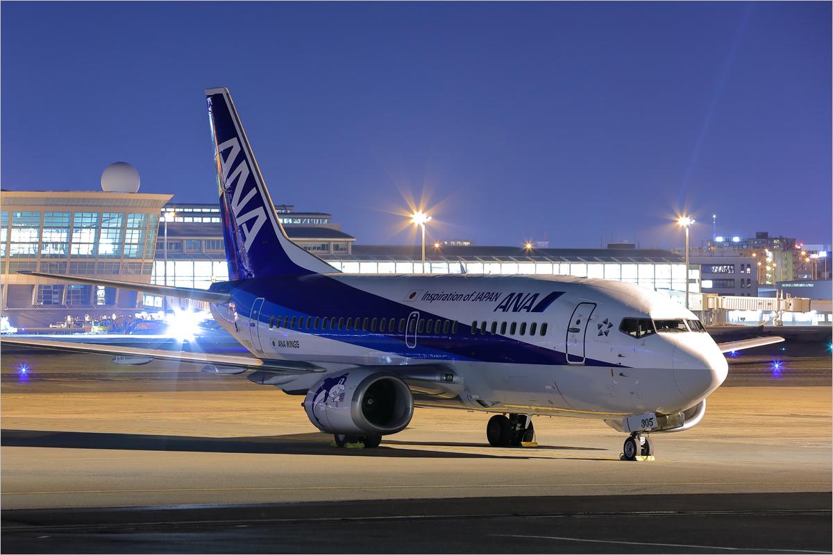 JA305K - 福岡空港_c0308259_19203145.jpg