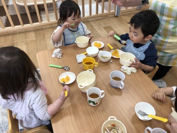 新百合ヶ丘ルーム〜給食の時間〜_a0318871_22115678.jpeg