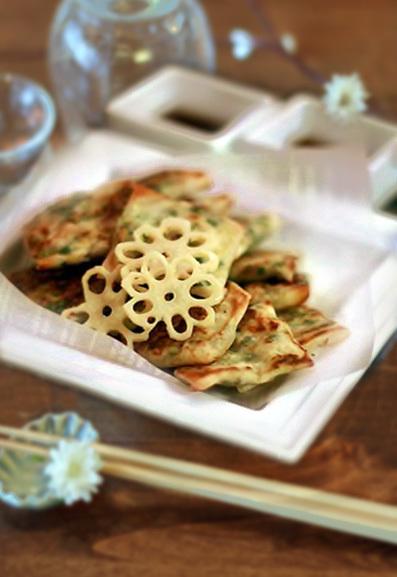 ニラ餃子、山椒辣油炒めと梅が枝餅_e0137277_17204190.jpg