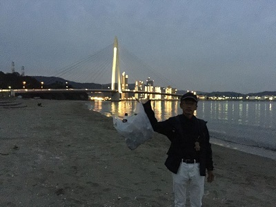 いつもの海岸で ゴミ拾い散歩_e0123286_19102497.jpg