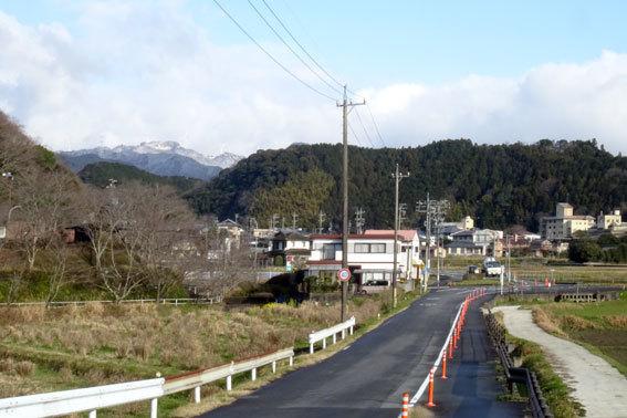 雪から桜へバトンタッチ_b0145296_10205379.jpg