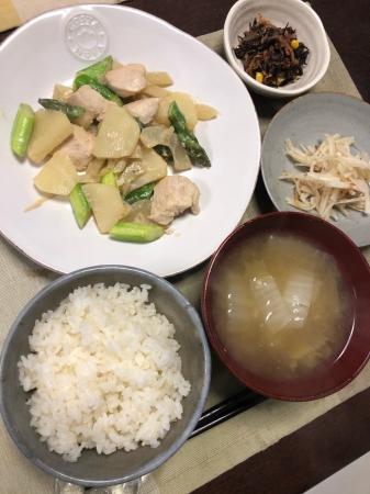 鶏肉とアスパラのオイマヨ炒め_d0235108_20383567.jpg