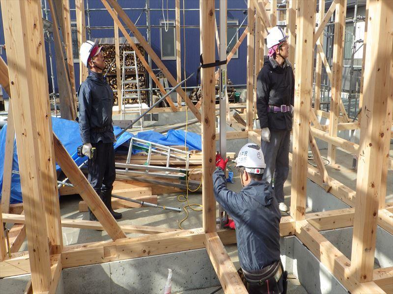 下太田 古材新築の家 建て方作業進行中です。_f0105112_03592063.jpg