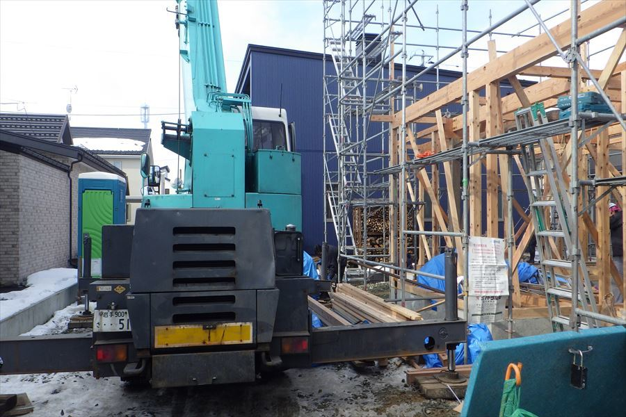下太田 古材新築の家 建て方作業進行中です。_f0105112_03592078.jpg