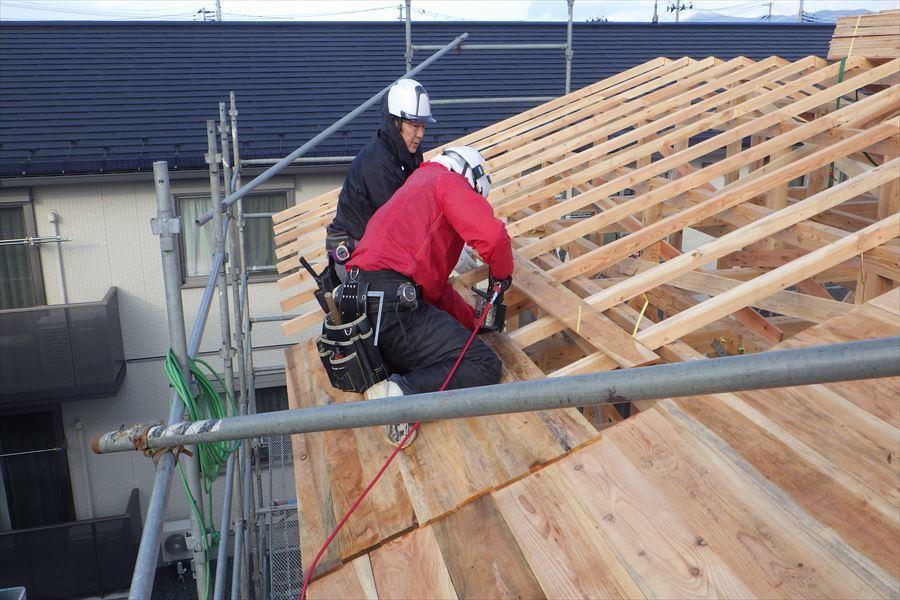 下太田 古材新築の家 建て方作業進行中です。_f0105112_04121091.jpg