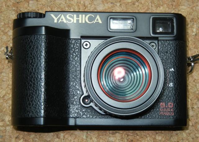 ホンコン製YASHICA 2台/3DCAM_d0138130_13165540.jpg