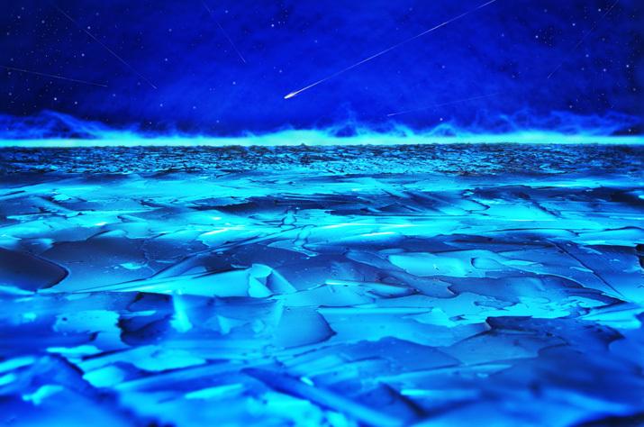 青く凍る湖_b0175635_23184025.jpg