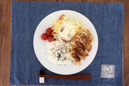 餃子のワンプレートランチ★_f0220354_13592397.jpeg
