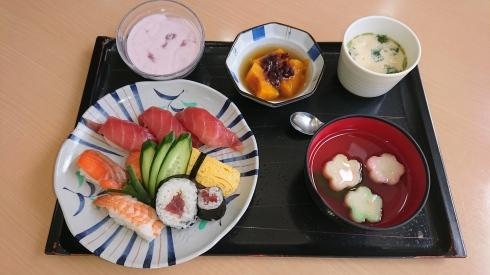 今日のお昼ご飯_d0178056_14304389.jpg